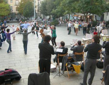 Diumenge hi ha ballada de sardanes a la plaça d'Octavià
