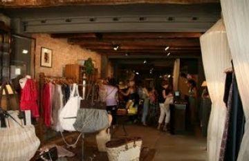 Les botigues Sayan lluiten contra l'anorèxia i la bulímia en una campanya de Nadal