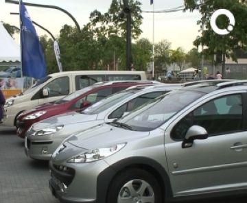 El sector de l'automoció aposta per grans promocions per afrontar la crisi