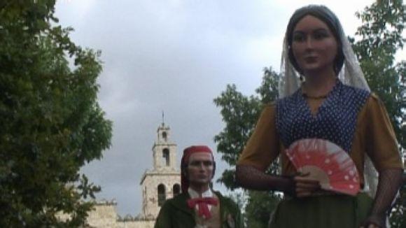 El seguici de Sant Pere fa lluir les entitats de cultura tradicional i popular