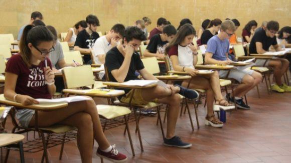 Gairebé 600 alumnes de centres de Sant Cugat comencen avui la selectivitat