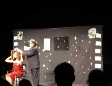 La màgia del cinema embruixa grans i petits amb l'espectacle de Selvin al Teatre-Auditori