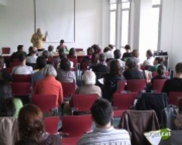 Una vuitantena de persones participen al seminari de l'Observatori del Deute per la Globalització