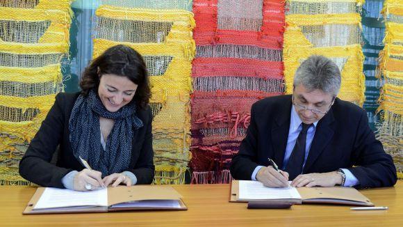La facultat Blanquerna i l'Ajuntament signen un conveni de pràctiques per als alumnes de comunicació