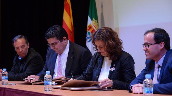 Sant Cugat i La Haba certifiquen el seu agermanament amb la signatura del conveni