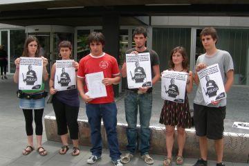 L'AJSC entrega a l'Ajuntament 300 signatures en protesta pels incidents de Barraques de l'any passat