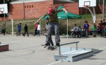 L'EMD de Valldoreix instal·la un 'skate park' a l'institut Arnau Cadell