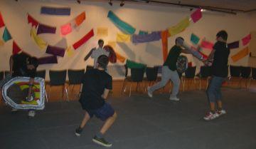 El Casal de Joves de TorreBlanca acull una lluita de gladiadors