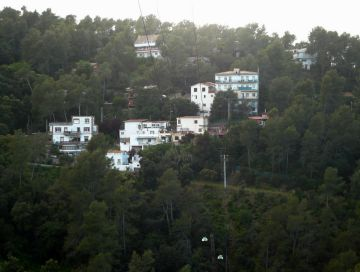 Els veïns de Sol i Aire s'organitzen per una neteja de l'entorn de la urbanització