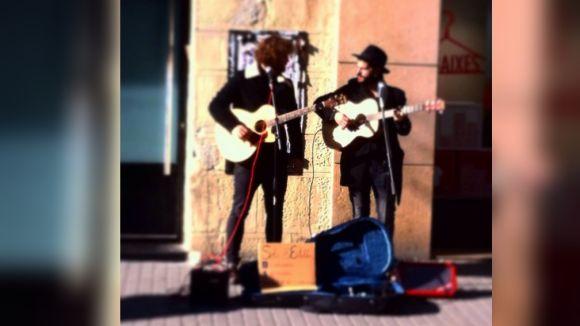 12 grups locals tocaran al carrer a la Fira de Nadal de la Plaça d'Octavià