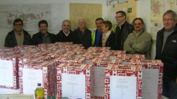 El Grup d'Autoprotecció de Sol i Aire lliure lots de Nadal als treballadors d'Engrunes