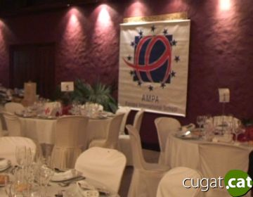 L'AMPA de l'escola Europa dóna 9.000 euros per a Creu Roja en un sopar benèfic