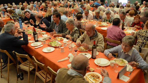 El Casal d'Avis de Valldoreix celebra 29 anys amb una paella multitudinària