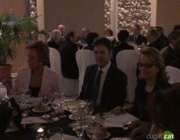 El sopar benèfic de l'AECC aconsegueix recaptar prop de  20.000 euros