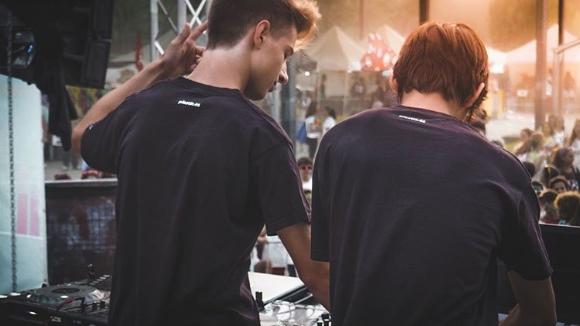 Nits d'electrònica: DJ Sparky