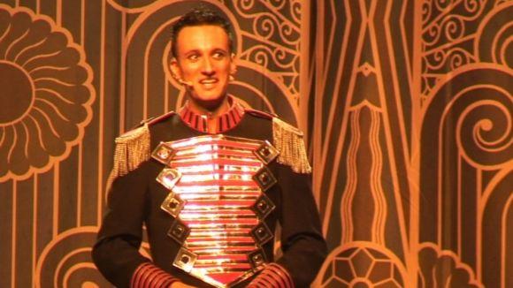 El Mag Lari demostra que també pot ser el rei de les superproduccions de màgia