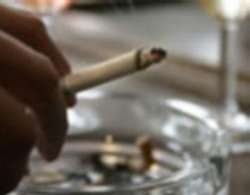 La meitat dels joves santcugatencs fumadors vol deixar el tabac, segons un estudi