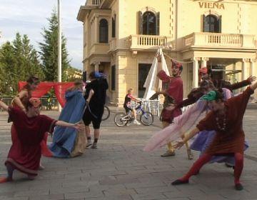 Els Tallers Sílvia Servan obren el teló amb un espectacle al carrer