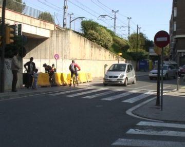 Els talls de trànsit de la zona de l'estació sorprenen veïns i conductors malgrat la senyalització