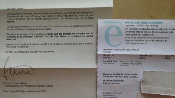 La carta que ha enviat l'Ajuntament i la targeta censal amb les dades antigues