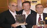 Els guanyadors del Taronja i el Llimona amb el president de l'EMD