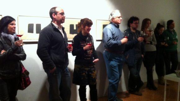 Els amants de l'art tasten vins per celebrar l'aniversari de la Canals Galeria d'Art