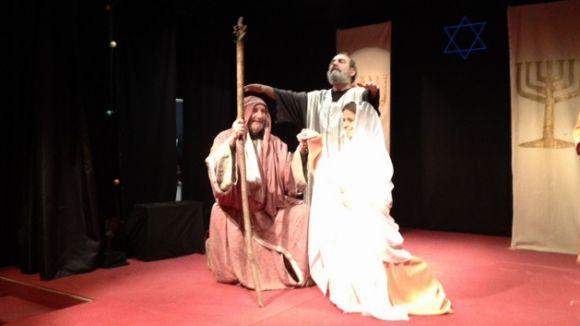 'Escenes de pessebre' uneix entorn el teatre els valldoreixencs