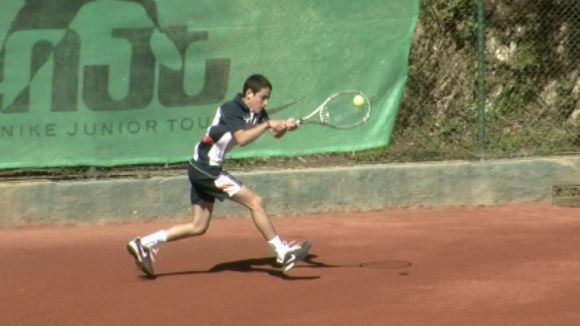 Uns 230 tennistes de tot Catalunya participen en el torneig de Nadal del CE Valldoreix