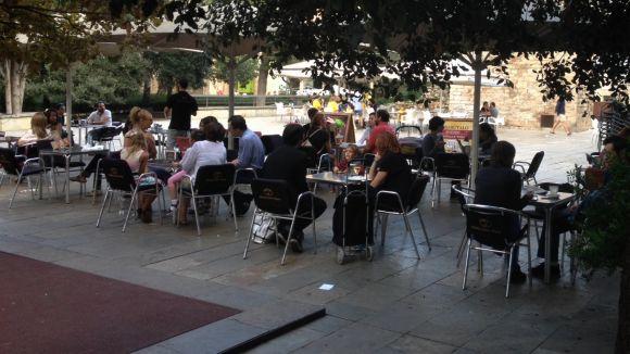 L'Ajuntament limita l'espai de les terrasses de la plaça d'Augusta