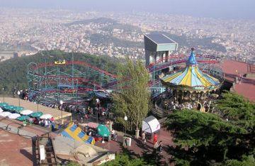 Un nou servei d'autobús apropa el Parc d'Atraccions del Tibidabo als santcugatencs