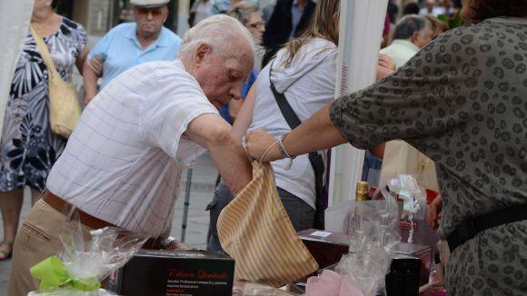 La tómbola del Dia Mundial de l'Alzheimer recapta més de 4.000 euros