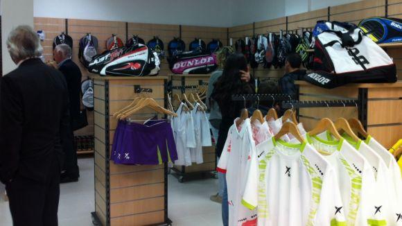 Arriba a la ciutat Tot Pàdel and Golf, botiga dedicada en exclusiva a aquests esports