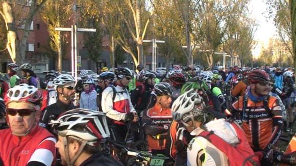 La Transcollserola de BTT bat el rècord de participants amb 360 ciclistes