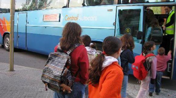 60 alumnes de Sant Cugat utilitzaran el transport escolar comarcal aquest curs
