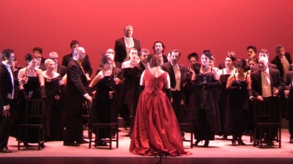 'La Traviata' torna a enamorar els espectadors fidels de l'òpera