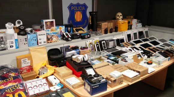 Detingut un treballador de Correus de Sant Cugat per apropiar-se d'enviaments