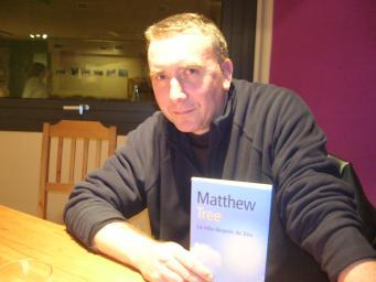 Matthew Tree: 'Em declaro ateu i enrabiat per haver estat enganyat'