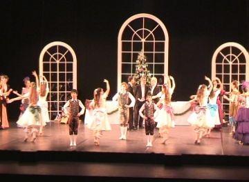 L'Escola de Dansa Laura Esteve celebra 15 anys amb un 'Trencanous' íntim i familiar