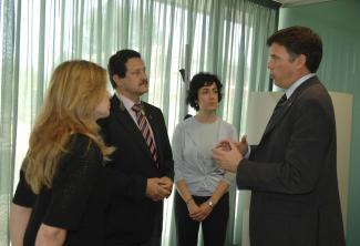 Sant Cugat i San Pedro del Pinatar col·laboren en temes d'Educació i Cooperació