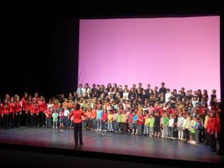 La trobada anual del Cor Infantil Sant Cugat i l'Aula de So reuneix 300 cantaires al Teatre-Auditori