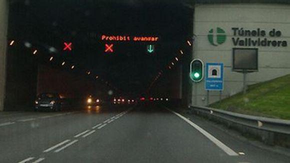 Ferida greu la conductora d'un turisme en xocar als Túnels de Vallvidrera