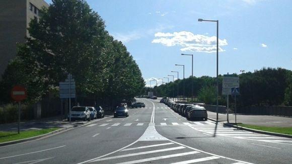 Un grup de veïns adverteix del risc a dos passos de vianants del carrer de Josep Irla