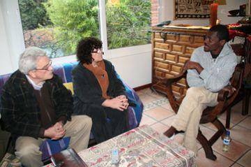 Turu dóna suport a la vaga de fam de l'escriptor equatoguineà