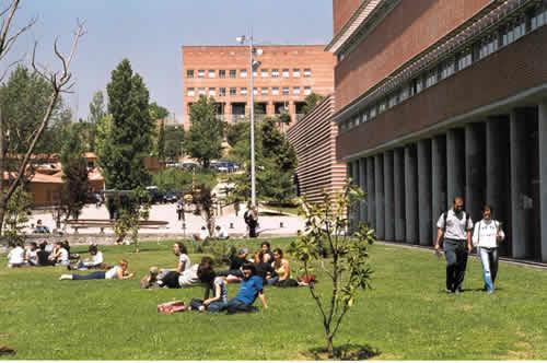 La UAB tanca els edificis fins el 25 d'agost
