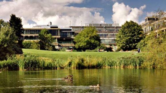 Les universitats de Bath i Filadèlfia treballen per portar cursos d'arts escèniques a la ciutat