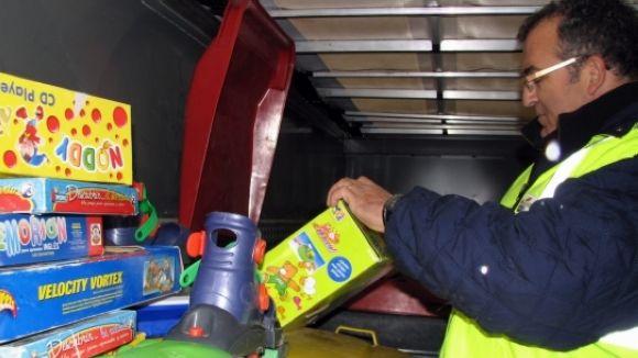 La campanya 'Un nen, una joguina' comença la recollida