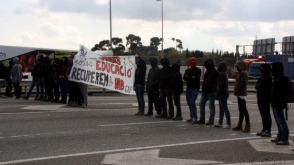 Els alumnes de la UAB, cridats aquest dijous a la vaga contra l'augment de taxes