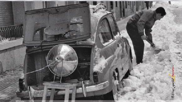 Una filmació i una revista traslladen els santcugatencs a la nevada del 1962