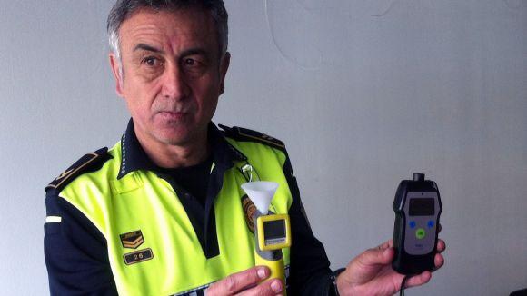 Un detector d'alcohol en begudes objectivarà la feina policial contra el 'botellón'