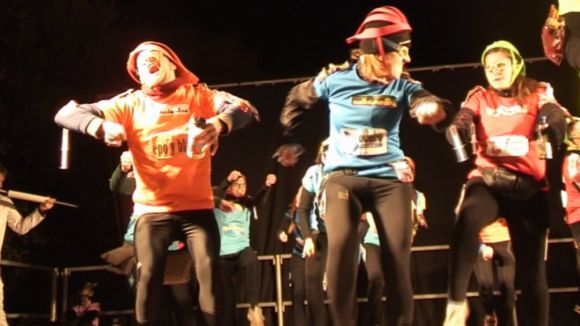 Multitudinari Carnaval a ritme de gitanes i comparses